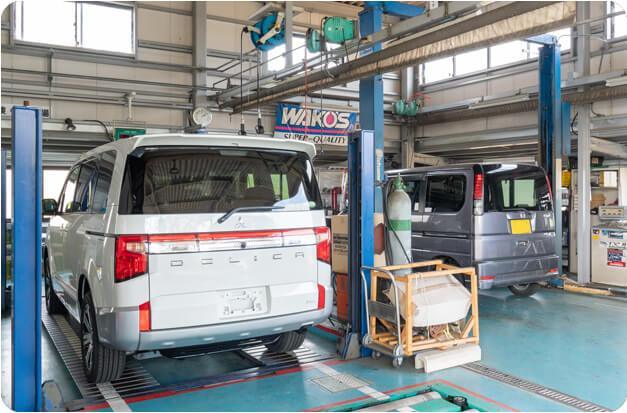 お客様より安心してお任せいただけるよう、地域に密着した指定整備工場です。国家資格を有する自動車整備士がお客様第一の考えで整備・検査を行います。